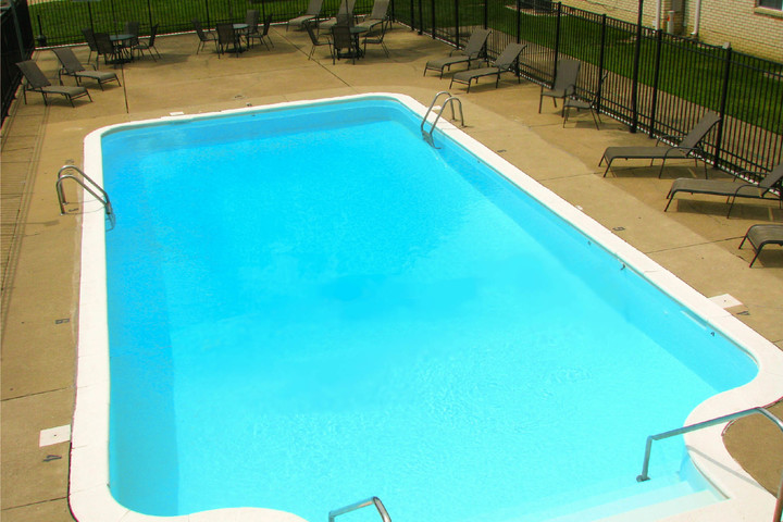 Addison Place Pool