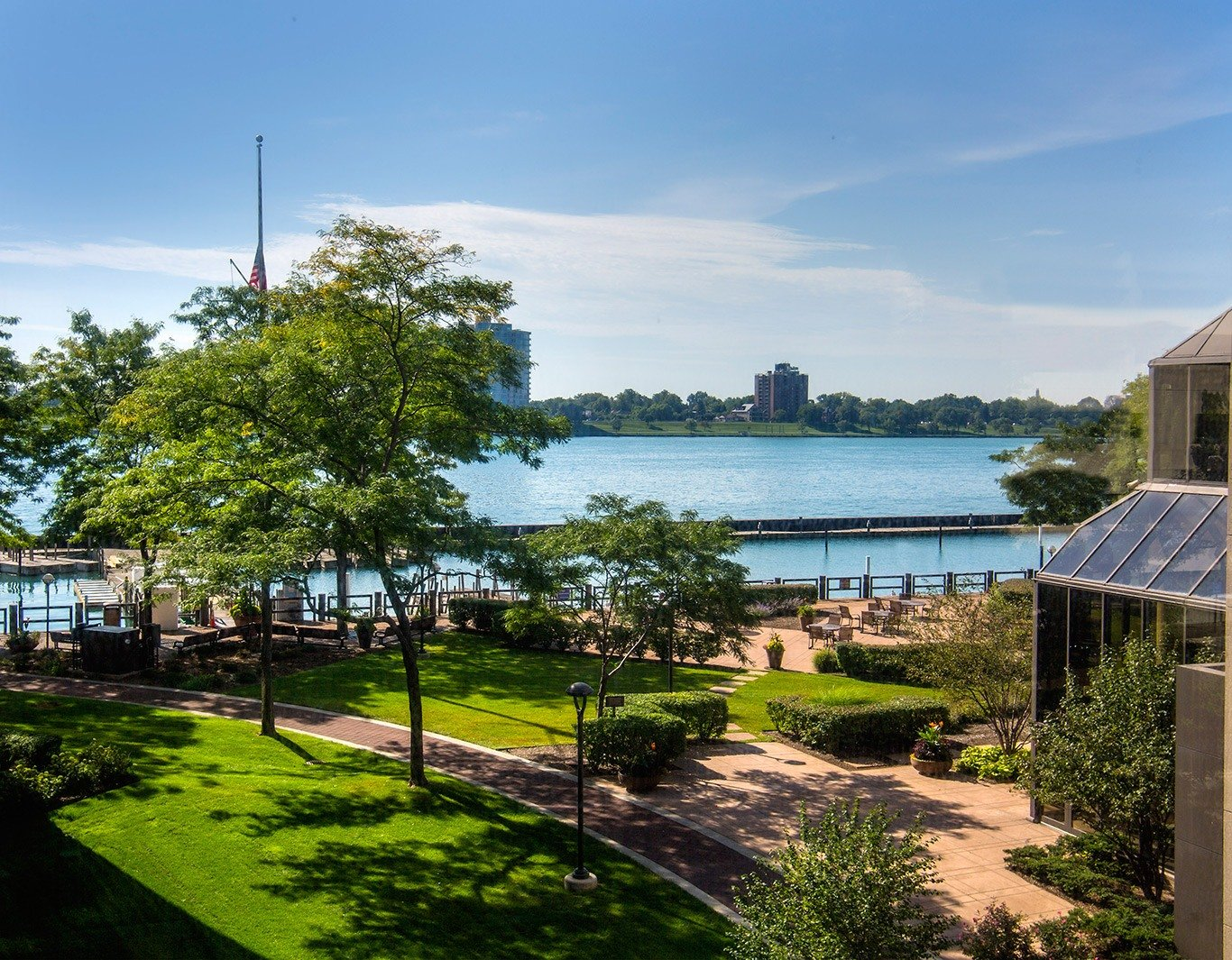 Apartments In Detroit Michigan Riverfront Towers Location